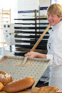 Conditorei & Café Bösewetter - Blick in die Bäckerei